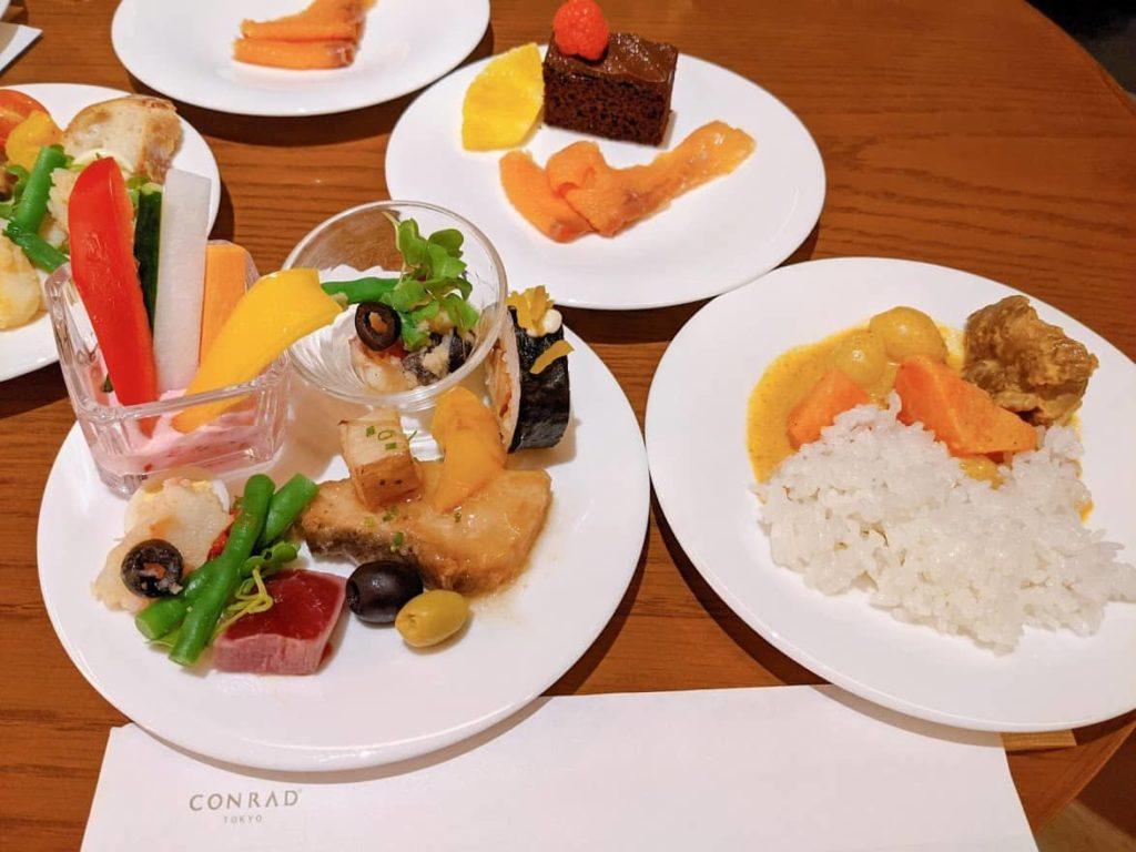 コンラッド東京のエグゼクティブラウンジの食事